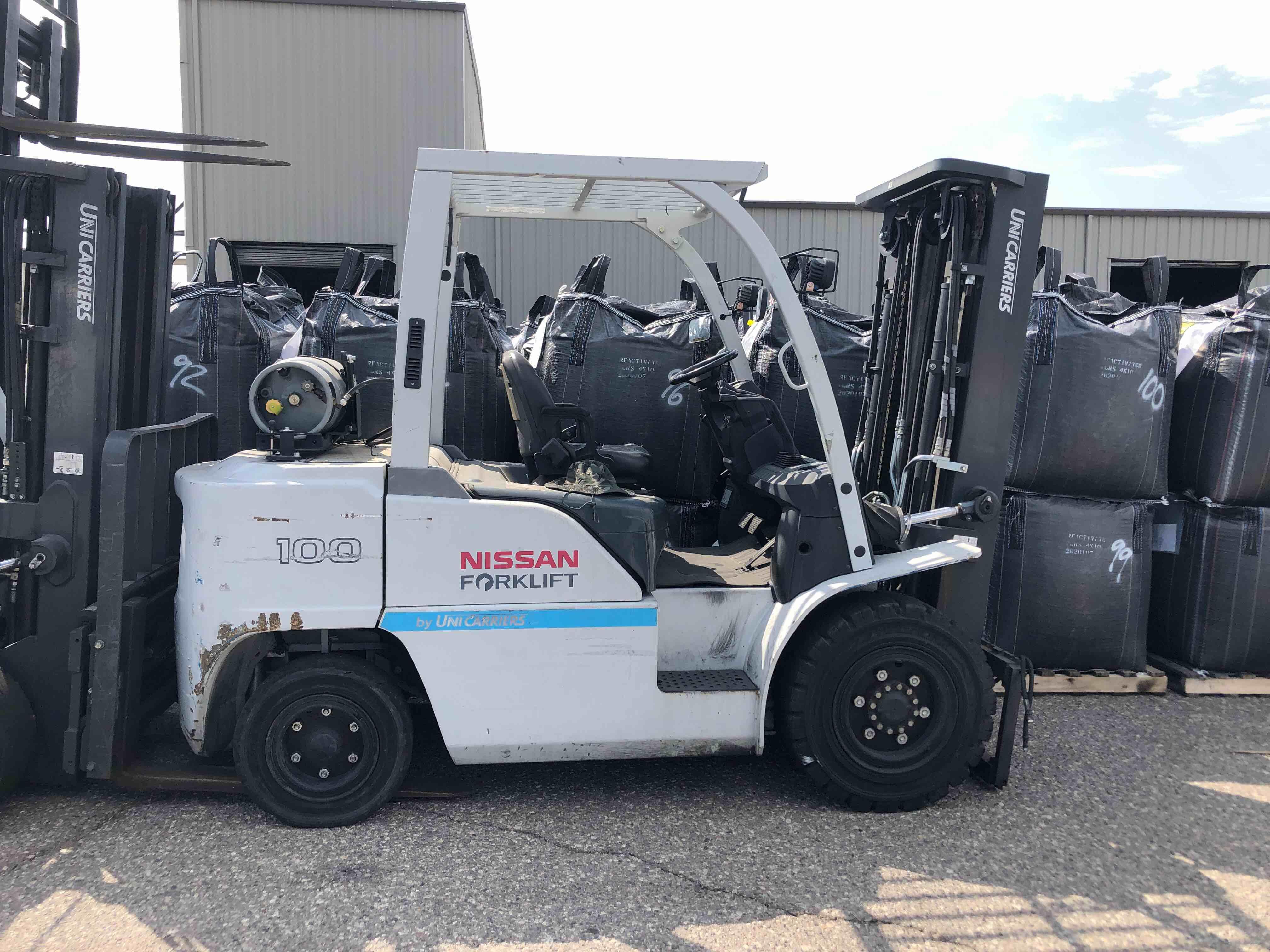 PF100YLP J1F4-980947